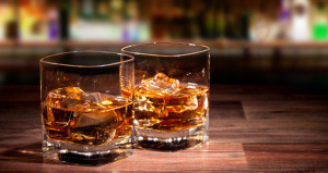 Hotel Bars Raise a Glass to the Whiskey Revival